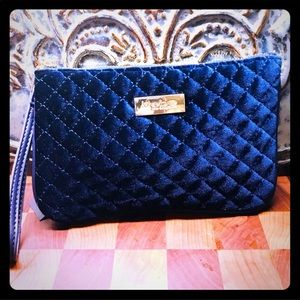 NWT BEBE BLUE VELVET CLUTCH perfect for phone 📱!